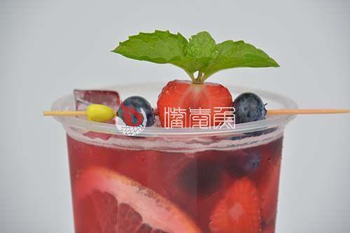 朗姆果酒冰茶